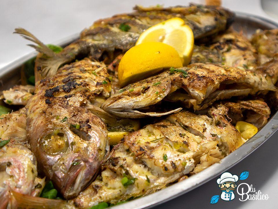 grigliata di pesce fatta in casa senza barbecue