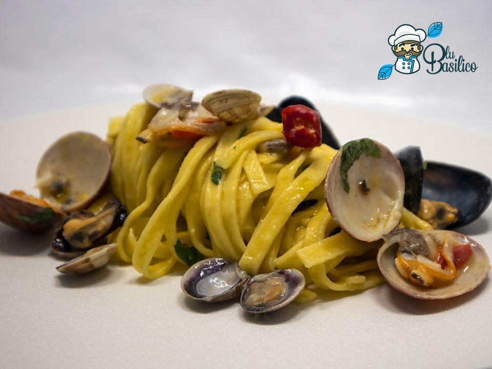 Tagliatella ai frutti di mare con vongole e fasolari